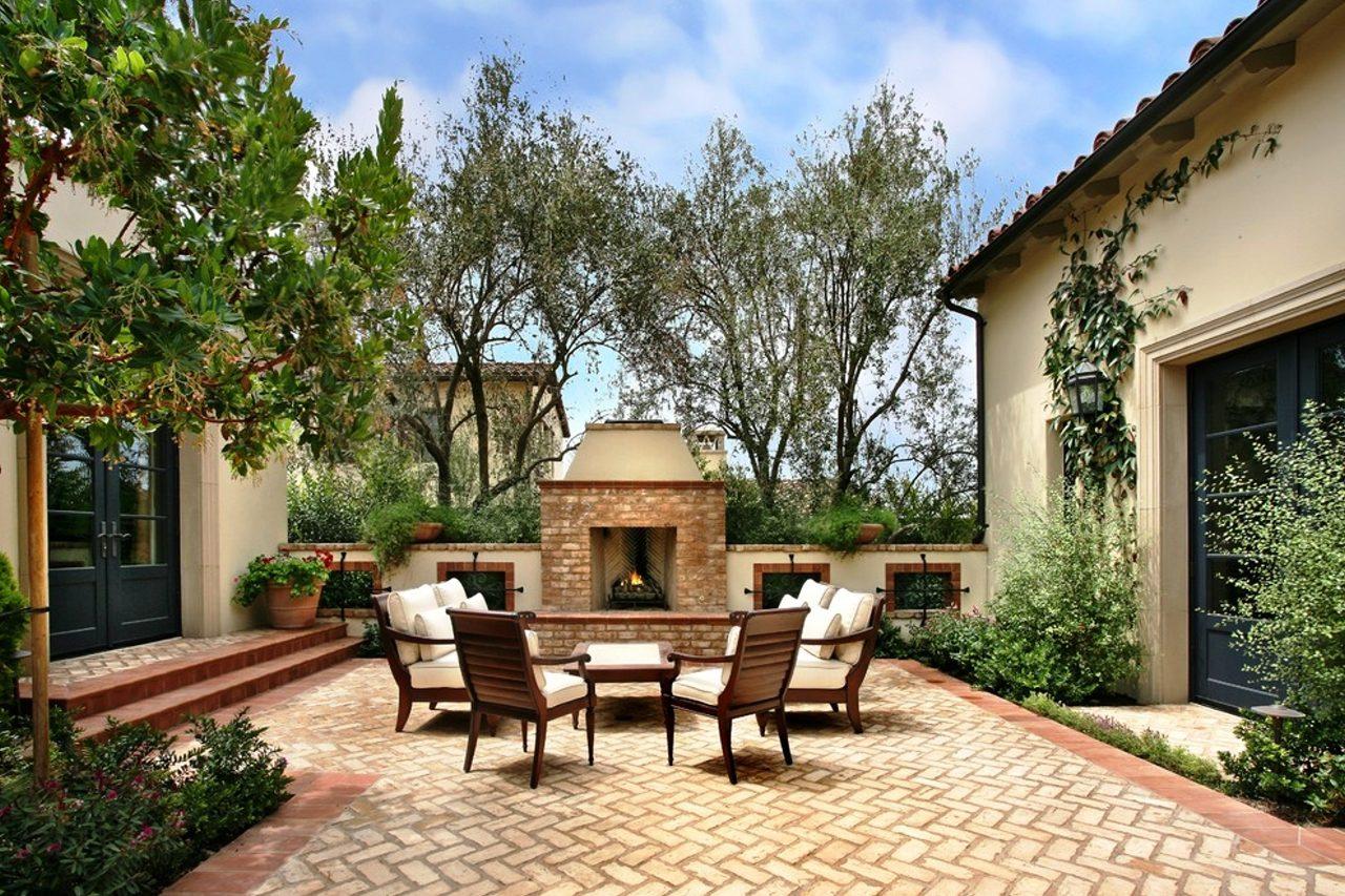 Brick Patio Design - Beautiful Ideas | How To Build A House on Small Backyard Brick Patio Ideas id=84218