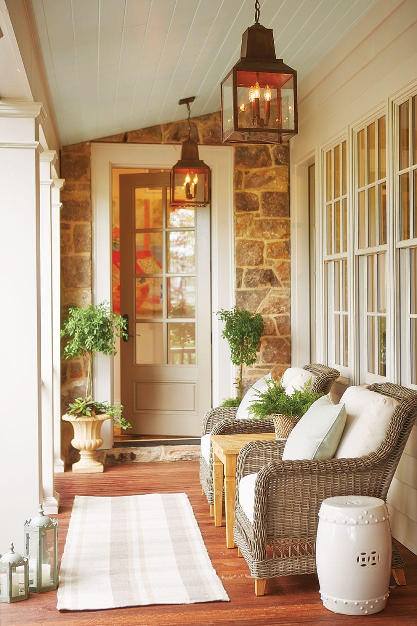 15 Ways to Arrange Your Porch - How To Decorate on Side Patio Ideas id=20032