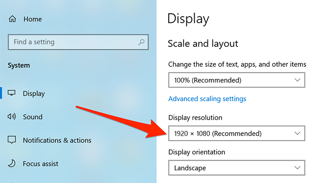 Secondary screen's resolution highlighted in the Settings app.