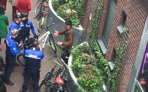 Handhaving in actie in de rosse buurt