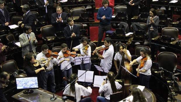 Diputados-OrquestaEscuela