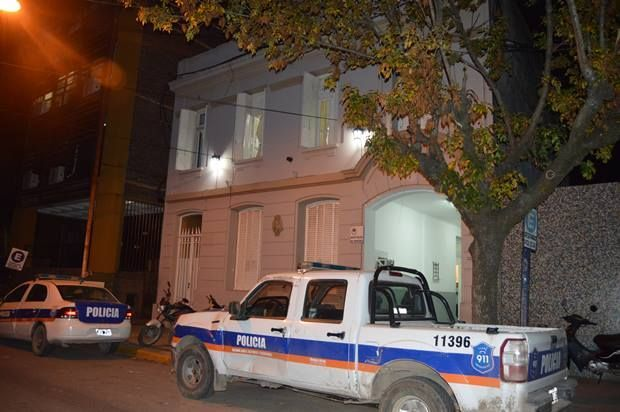 7 demorados en operativo policial por estupefacientes