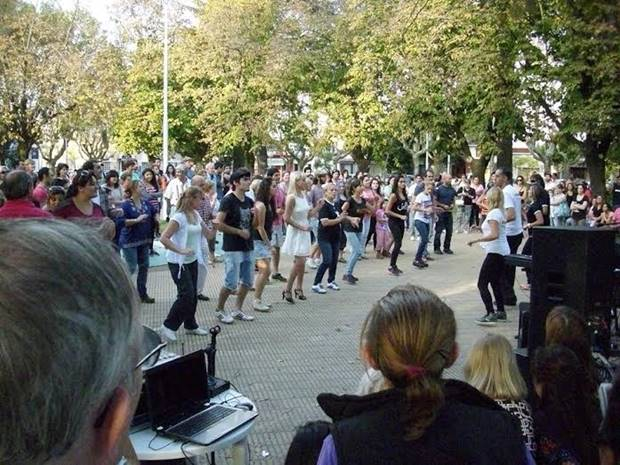 Se viene el «Pasearte N°2» en Plaza Belgrano (del Hospital) y será el domingo 24 de mayo organizado por el MIC