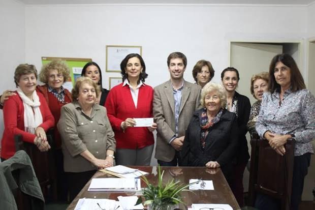 Ustarroz entregó aporte económico a la sede local de LALCEC