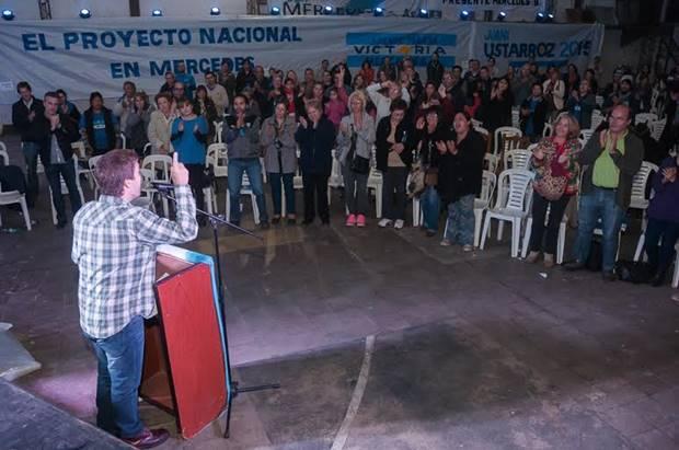 Más de 400 vecinos participaron del plenario de ideas del Frente Mercedino