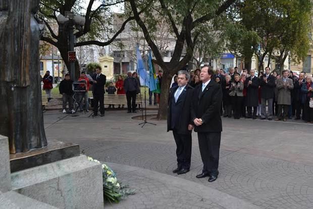 Se conmemoró con actos oficiales el «día de la independencia»