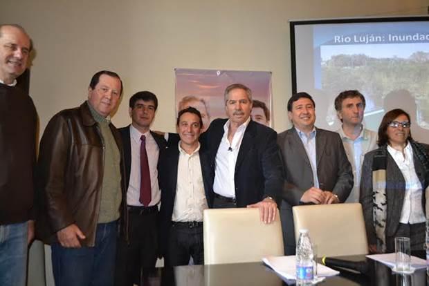 Denápole, junto a Solá y Arroyo remarcó la necesidad de apostar a la producción