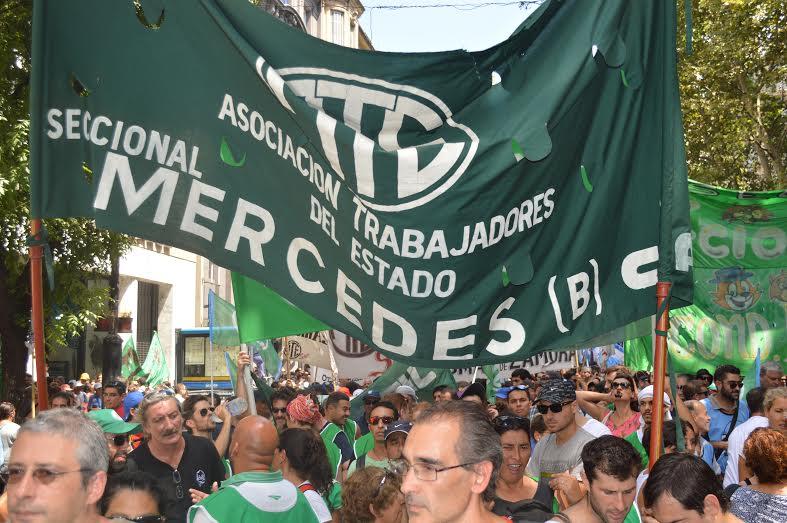 Paro Nacional de ATE: 50 mil trabajadores llenaron la Plaza de Mayo