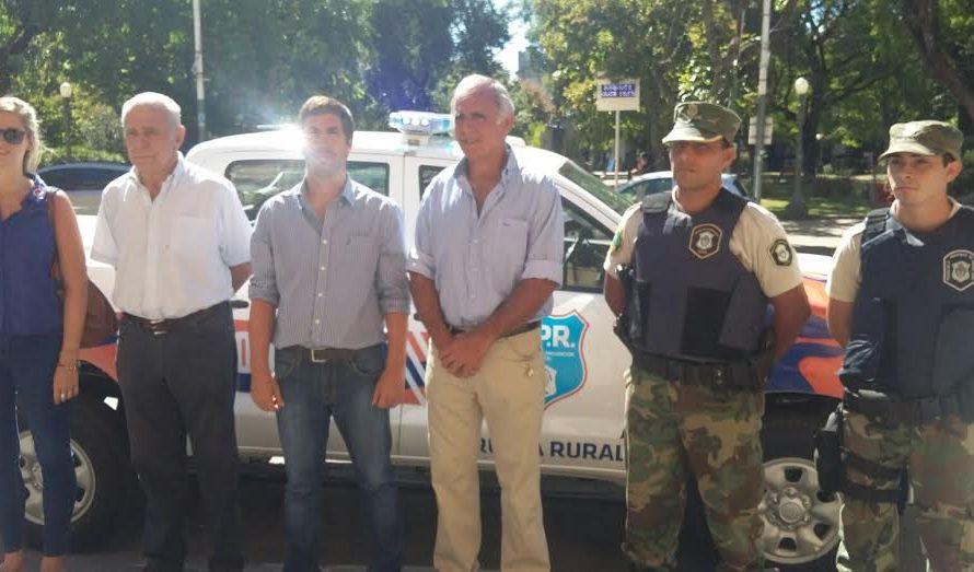 Ustarroz presentó nuevos móviles para la Policía Rural