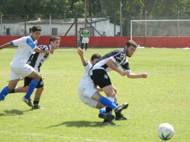 25 futbol liga velez mercedes 1