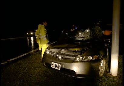 Ruta 5: se chocó una columna a la altura de Jáuregui
