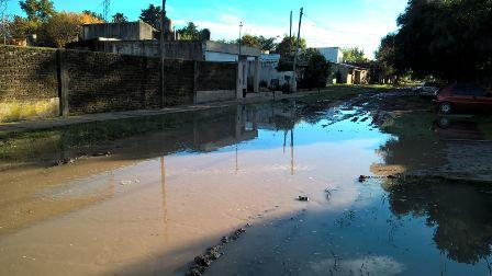 Cestari sigue recorriendo barrios y localidades y presenta su informe