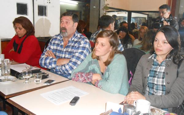 Fomentistas piden elecciones en la Federación