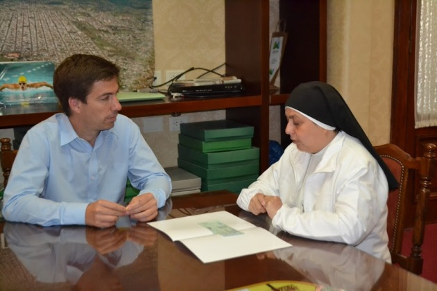 Municipio entregó subsidio a la Divina Providencia