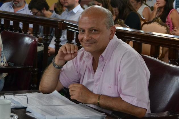 Cestari expresa su opinión sobre el tratamiento de algunos proyectos.