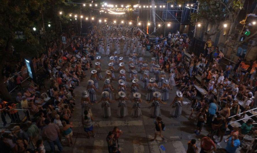 Primera noche de corsos fue una fiesta (Video)