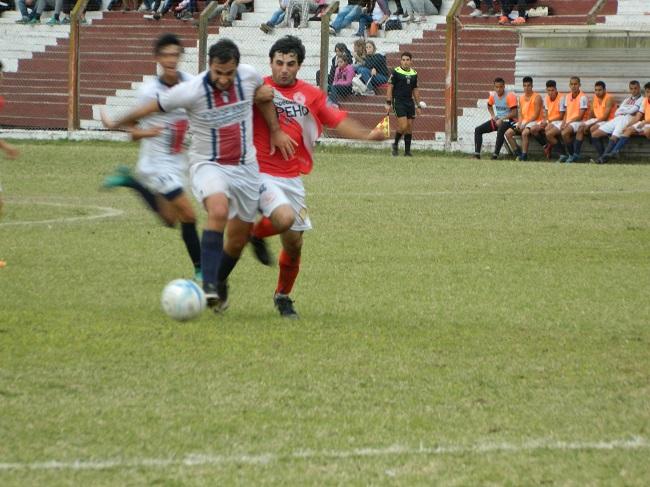 Goleadas de Trocha, Comunicaciones, Estudiantes y Mercedes en Primera