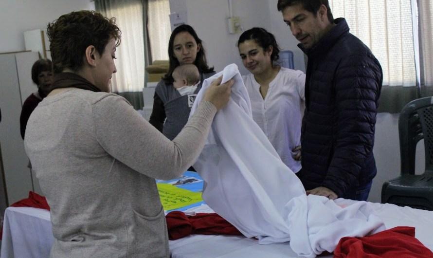 """Primeros 1000 días: Para confeccionar ropitas de bebé el municipio presentó el """"Taller de costura"""" en el C.I.C"""
