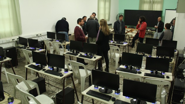 Inauguran sala de informática en el Centro Universitario