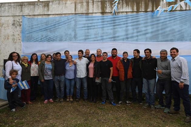 """""""Unidad Ciudadana"""" presentó sus candidatos acompañados de un gran marco de público"""
