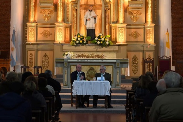 Presentaron libro de Tabossi sobre la Iglesia San Luis