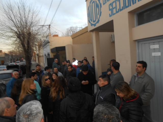 Aceros Borroni: Empleados denuncian una medida arbitraria