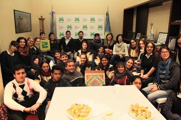 Alumnos de Nacional compartieron intercambio de ideas y trabajo con el Intendente