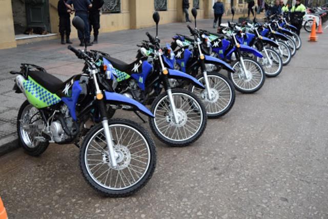 Municipio sigue invirtiendo en seguridad con compra de 10 motos para la Policía