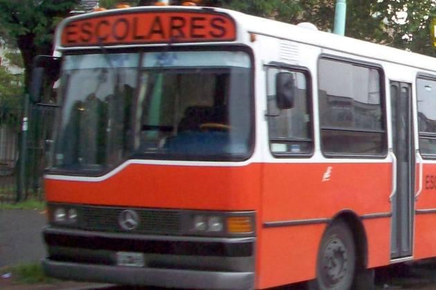 Pusieron en marcha el transporte para los alumnos de la Secundaria 13