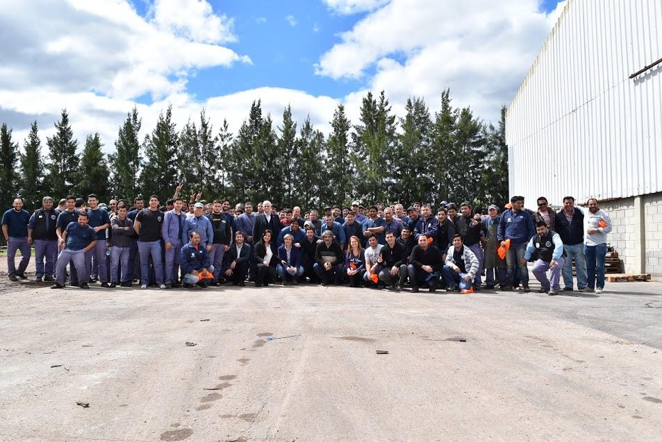Jorge Taiana visitó Mercedes y dialogó con trabajadores de San Martín y Magromer