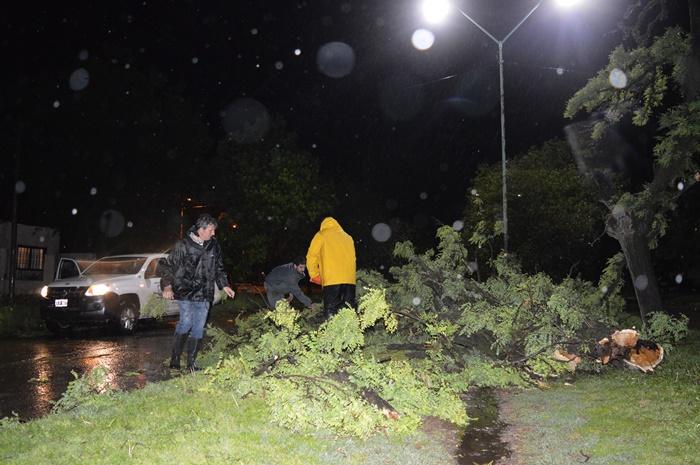 Rápida asistencia de la Municipalidad tras la fuerte tormenta