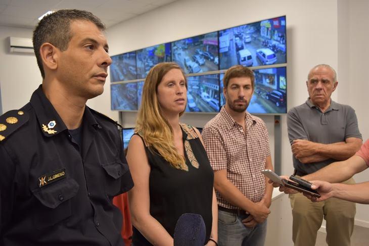 """Ustarroz: """"somos muy defensores de la Policía Local, acá nos da resultados positivos"""""""
