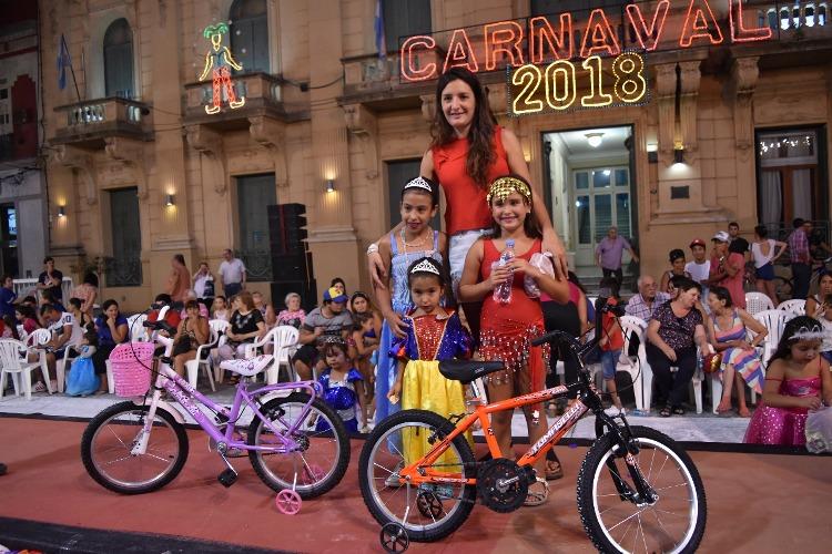 Niños y niñas participaron del Corsito 2018