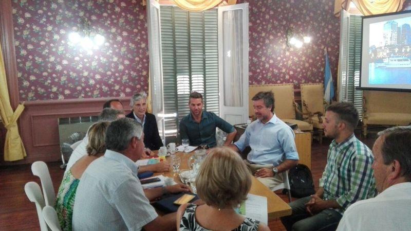 La OMIC, Defensor del Pueblo y Concejales se reunieron con representantes de ENACOM