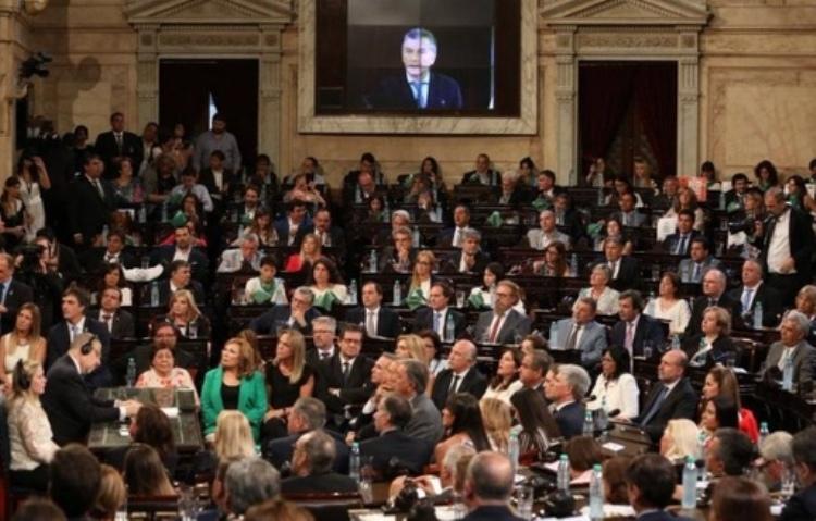 """Carlos Selva: """"El presidente ha aprendido a montar un show en sus discursos"""""""