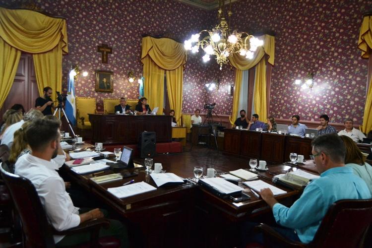 Poco debate en el recinto: Tasa de Alumbrado se trabajará en comisión