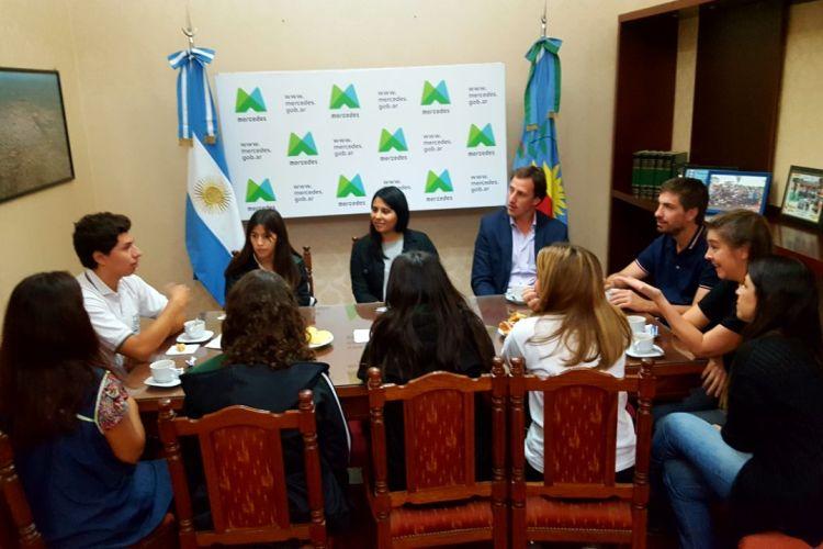 Alumnos del Colegio San Antonio se reunieron con Ustarroz