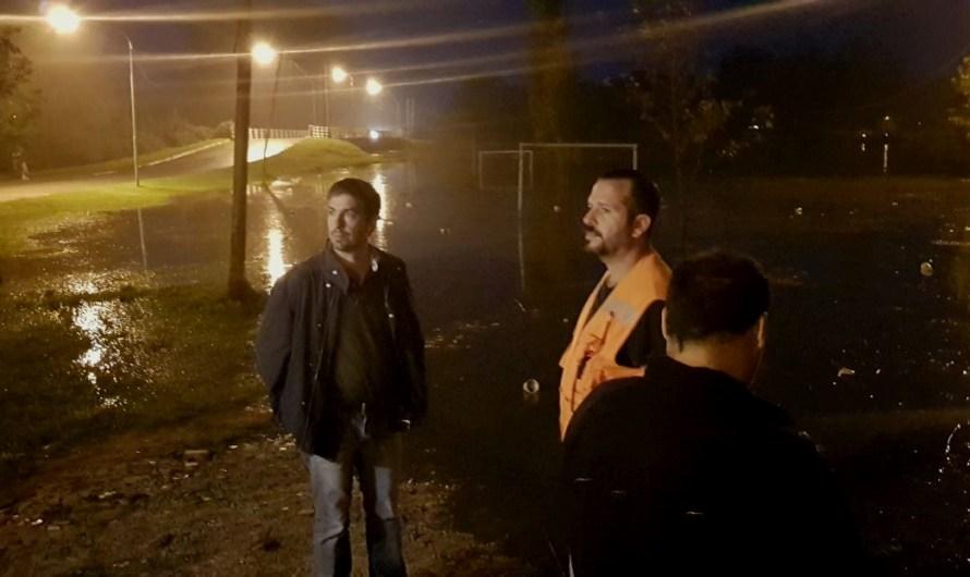 Intendente coordinó asistencia a vecinos mientras municipio reforzó atenciones y está de guardia las 24hs