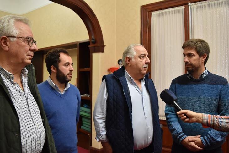 Ustarroz y dirigentes de Trocha reunidos planifican importante inversión municipal en el Club