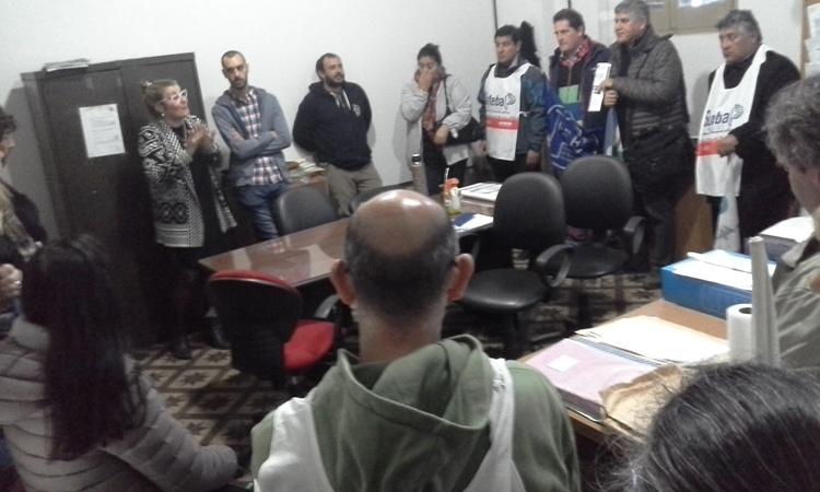 Gremios Docentes presentaron carta al Consejo con problemáticas edilicias
