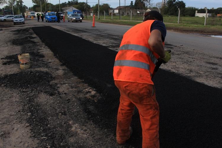 Obras de pavimentación en Acceso Manuel Sanmartín