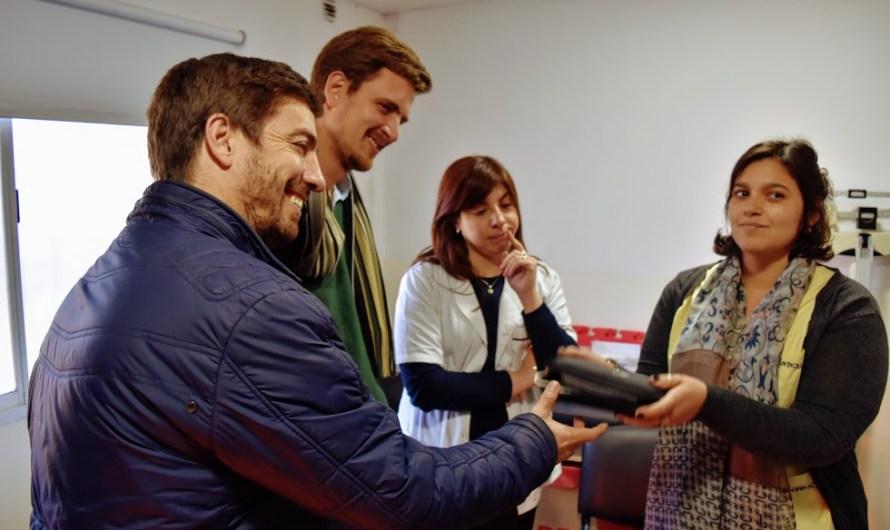 Ustarroz entregó más equipamiento médico para el cuidado de la niñez en los CAPS