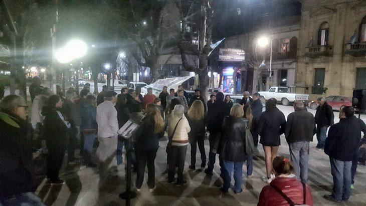 Por el tarifazo hubo asamblea en plaza San Martín con propuesta de continuidad