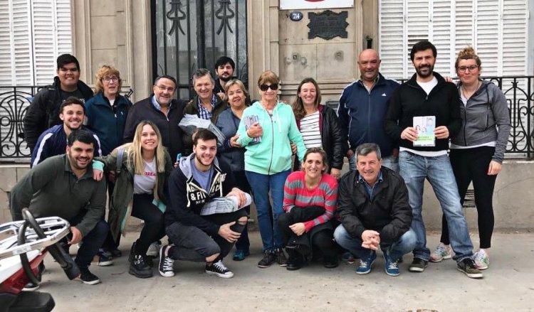 Cambiemos tuvo su timbreo en el barrio  Eva Duarte