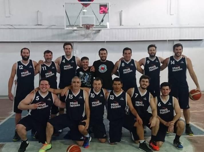 Comenzó el torneo comercial de básquet en Club Estudiantes