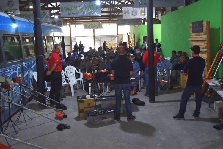 Capacitación a empleados municipales en el uso de maquinarias