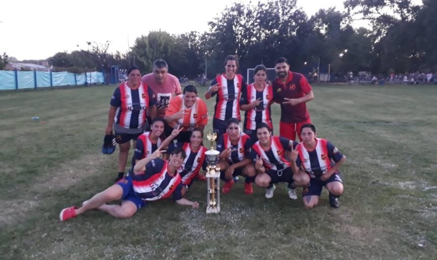 El Frontón, nuevamente campeón de Primera en Fútbol Femenino