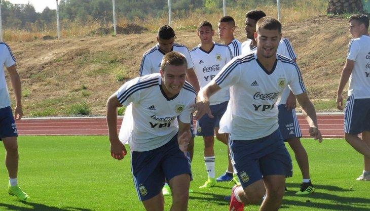 Santiago Sosa debutó en la Selección Sub 20 en el empate de Argentina ante Paraguay