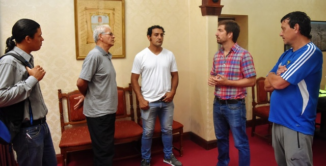 Municipio brinda ayuda a la familia Ortiz, que se irá a Corrientes en bicicleta
