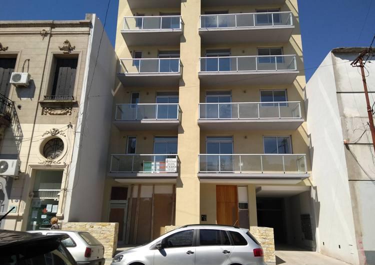 La Sociedad Italiana terminó el edificio de departamentos y comenzó la entrega a sus propietarios
